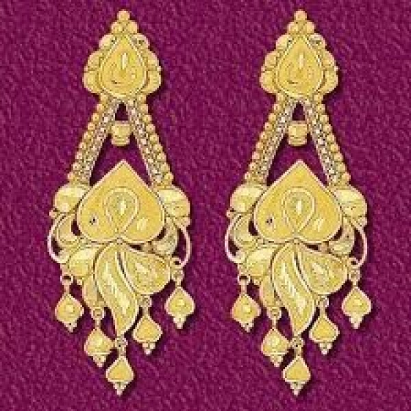 Designer earrings for sale at Kozhikode Nallalam latest fashion